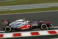 マクラーレンの記念すべき150回目のポールポジションを決めたハミルトンだったが、レースでは終始ロータスに追い回された。だが後続が前車を追い抜きやすくするDRSの作動域内、1秒を切った状態でもミスなく走り切りトップでゴール。チャンピオンシップでは5位から4位に上昇し、首位アロンソとの差は62点から47点に縮まった。(Photo=McLaren)