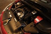 新エンジンは、1.6リッターNA、1.6リッターターボともに、PSAとBMWの共同開発ユニット。しかしながら、スペックや味付けは異なる。
