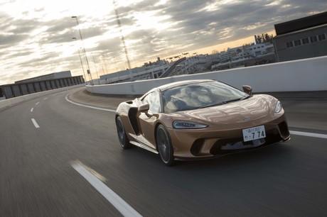 新たなスポーツカー像を提案するというマクラーレンのニューモデル「GT」に試乗。利便性の高さが特長とされ...