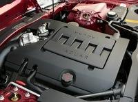 エンジンは4.2リッターV8。ちなみに06年6月30日、スパチャー付きの「XKR」が欧州で発表された。