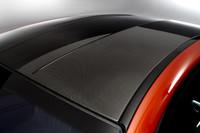 「M6クーペ」のルーフはカーボンファイバー製。車体の軽量化と重心の低下に貢献する。