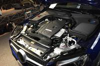 プラグインハイブリッドシステムを搭載した「GLC350e 4MATICクーペ スポーツ」のエンジンルーム。エンジンとモーターを組み合わせたシステム出力は最高出力320ps/最大トルク57.1kgm。
