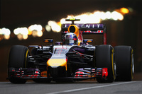 スタートでこそ失敗したが、レースではベッテル、ライコネンの不運にも助けられ3位にまで戻ることができたレッドブルのリカルド。ハミルトンが視界不良と知るや終盤猛チャージをかけ、0.4秒差の3位でチェッカードフラッグを受けた。(Photo=Red Bull Racing)