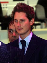 フィアット会長のジョン・エルカン。(2005年ジュネーブショーで)