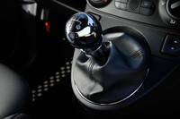 ツインエアエンジンでは日本初導入となる5段マニュアルトランスミッション。