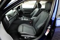オプション「ダコタ・レザー」を選択した、テスト車の前席。シートヒーターも含まれる。