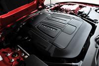 5リッターV8スーパーチャージド・エンジンは550psを発生。