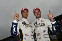 幸先の良いスタートを切った、No.37 KeePer TOM'S RC Fの平川 亮(写真左)とアンドレア・カルダレッリ。昨シーズンからはドライバーに変更があったものの、チームとしては2年連続の開幕戦勝利である。