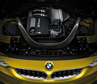 新開発の3リッター直6ツインターボエンジン。