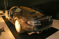 同じく、特別展「自動車と映画」の「探偵・刑事物」の部から。『007 慰めの報酬 』(2008年)に登場した「アストンマーティンDBS」。 アストンマーティン所蔵のもの。
