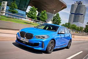 BMW 118d(FF/8AT)/M135i xDrive(4WD/8AT)【海外試乗記】