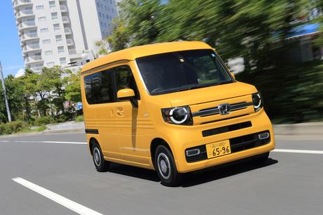 「Nシリーズ」初の商用モデルとなる「ホンダN-VAN」がデビュー。Bピラーレスボディーに広大な積載スペース...
