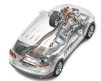 「トゥアレグ」のハイブリッドカーも現在開発が進められている。