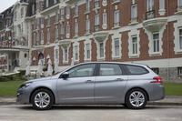 こちらはワゴンモデルの「308SW」。ハッチバックの「308」に比べて、全長は332mm、ホイールベースは110mm長くなる。