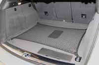 アウディ、「A8」「Q5」のハイブリッド車を発表