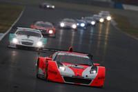 決勝36周目のワンシーン。セーフティーカー導入後、No.8 ARTA NSXを先頭に再スタートが切られた。