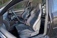 フォルクスワーゲン・ゴルフR32 3ドア(4WD/6MT)【試乗記】の画像