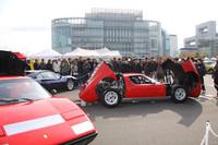 特別出展したスーパーカーショップ「キャステルオート」のブースでは、「ランボルギーニ・ミウラ」や「フェラーリ365GT4BB」などのサウンド・パフォーマンスを実施していた。