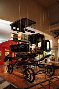 生産方式だけでなく、社会も変えた「フォードT型」。ただし、その末路は……。ヘンリー・フォード博物館にて。