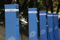 屋久島は、鹿児島県による政策「屋久島CO2フリーの島づくり」の一環としてEVの普及にも積極的に取り組んでいる。写真はこの試乗会に合わせてBMWが新たに設置したEV用充電器。