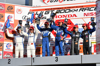 GT500クラス表彰式の様子。今回は、2位と3位の座をホンダ勢が占めた。