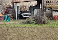 アウトストラーダ沿いで。その「デルタ インテグラーレ」は、往来するクルマたちを毎日眺めながら余生を送っている。