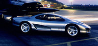 同氏がいすゞ在籍時代に手がけた「4200R」。ロータスと共同で作られたコンセプトカーで、1989年の東京モーターショーに出展された。