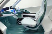 ホンダ、新感覚EVコミューターを出展【東京モーターショー2011】の画像