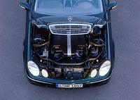 「E240」に搭載される2.6リッターV6エンジン。177psのパワーと、24.5kgmのトルクを発生する。