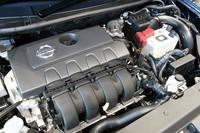1.8リッターエンジンは「ウイングロード」などに搭載される「MR18DE」ではなく、新開発の「MRA8DE」。可変バルブ機構のツインVTCやパワーバルブの追加、ロングストローク化などといった改良が図られている。