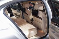 後席には、シートヒーターやマッサージ機能が標準で備わる。