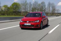 新型は動力性能だけでなく燃費も改善された。DSG搭載車の場合、先代型より14%改善されたという。