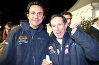 エリック・コマス(左)と、ジャン・ラニョッティ(右)。ルノー・サンクターボでモンテを制した名手ラニョッティ相手に、リポーターが……。詳しくは、現在発売中の自動車雑誌『NAVI』5月号「エンスー新聞」で!