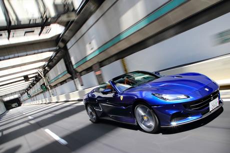 今や少数派となったリトラクタブルハードトップを採用する2+2シーター「フェラーリ・ポルトフィーノM」に...