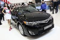 2013韓国カー・オブ・ザ・イヤーに輝いた「トヨタ・カムリ」。ちなみに2位は「BMW 3シリーズ」、3位は「ヒュンダイ・サンタフェ」と、欧州の高級車や地元の強敵を抑えての快挙だった。