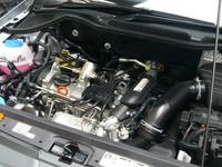 新型「フォルクスワーゲン・クロスポロ」のエンジンは、1.2リッターターボのみ。高出力と低燃費の両立をうたう、同社自慢のパワーユニットだ。