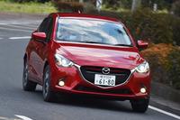 4代目「デミオ」には、ガソリン車とディーゼル車がラインナップされている。豊かなトルクを生かしたピックアップと低燃費がセリングポイント。