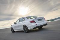 新しい「AMG E63」シリーズは4WDのみ。「E63」には機械式LSD、「E63 S」には電子制御LSDが備わる。