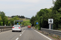 今日イタリアで最も一般的な自動速度取り締まり機。シエナ郊外にて。