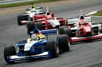 トップチェッカーのトレルイエにペナルティ、脇阪が逆転して今季初優勝の画像