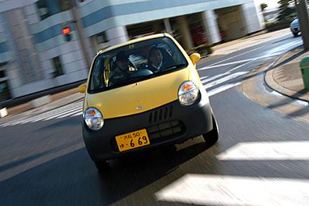 スズキ・ツイン ガソリンB(3AT)/ツイン ハイブリッドB(4AT)【短評】