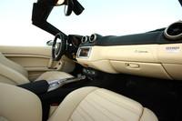 「フェラーリ・カリフォルニア」、2360.0万円で発売の画像