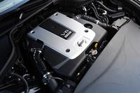 3.7リッターV6エンジンは、「スカイライン」と共通のもの。