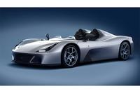 「ストラダーレ」には4車型5形態が用意される。基本はこのバルケッタスタイル。この状態で車両価格は15万5000ユーロ(約2100万円。税別)となる。
