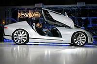 【ジュネーブショー2006】飛行機風にキャノピーを開けて――サーブのスポーツクーペ「エアロXコンセプト」