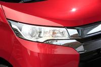 今回の改良では、前走車や対向車の有無によってロービームとハイビームを自動で切り替える「オートマチックハイビーム」が採用された。