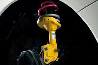 スバル、STIと共同開発した高性能スポーツモデル「S208」を発表の画像