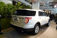 フォード、新型「エクスプローラー」を発表の画像