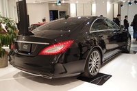 「CLS550」(クーペ)のリアビュー。