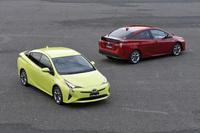 ボディーカラーは、新開発の「サーモテクトライムグリーン」(写真左)や「エモーショナルレッド」(同右)を含む、全9色が用意される。